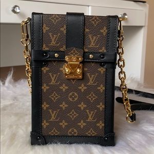Louis Vuitton - one of a king crossbody purse